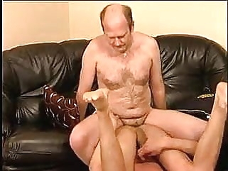 Young guy fucked by hot daddy amateur (gay) bareback (gay) big cock (gay)