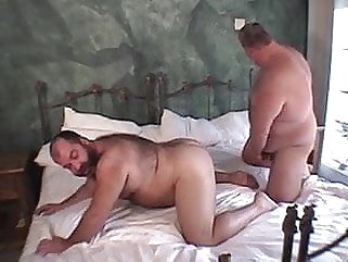 Chubbys..Gordos peludos blowjob (gay) fat (gay) small cock (gay)