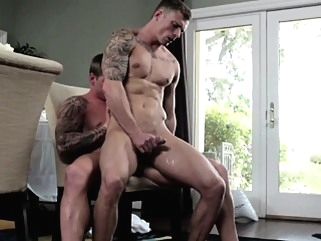 Muscled jock bareback assfucks ripped hunk bareback (gay) cumshot (gay) gays (gay)