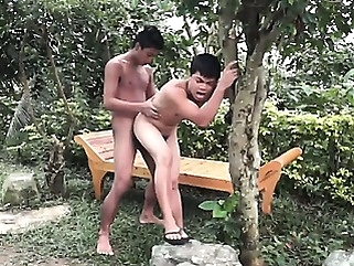 Assume The Position gays (gay) latin (gay) outdoor (gay)