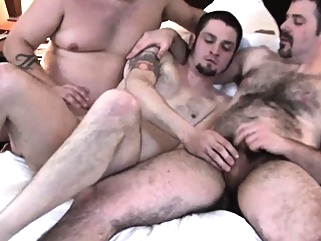 Cocksucked chub assfucking cub in trio bears (gay) blowjob (gay) cumshot (gay)