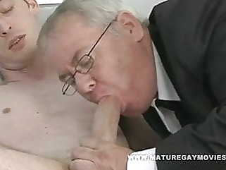 Chubby Daddy Sucks And Fucks Skinny Admirer gay porn (gay) blowjob (gay) daddy (gay)