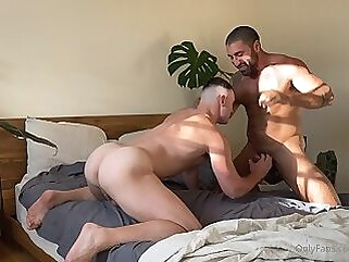 OF - thesharok1 cumshot big cock homemade